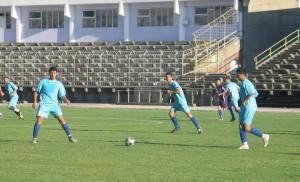 """Боби Борисов (в средата) вкара 2 гола за """"Академик""""."""
