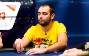 Успехите в покера изискват непрекъснато усъвършенстване на уменията и непоколебима концентрация. Source: pokernews.com